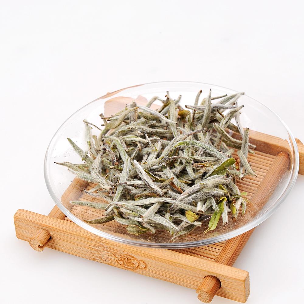 【绿雪芽】白毫银针有机白茶铁罐青花盒75g4_3