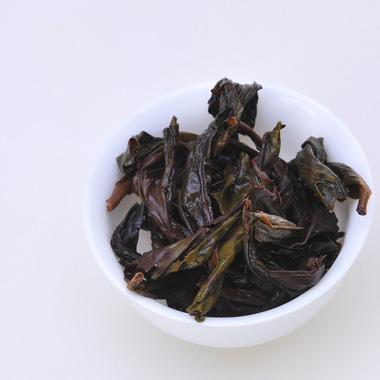 【滋恩】特级大红袍圆罐装50g5_4